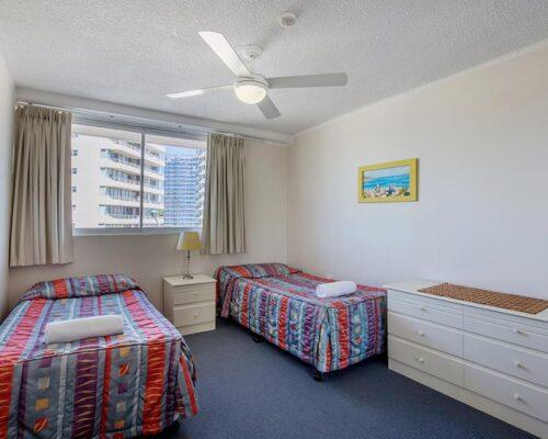 coolangatta-rainbow-bay-2bed-apartments10-11