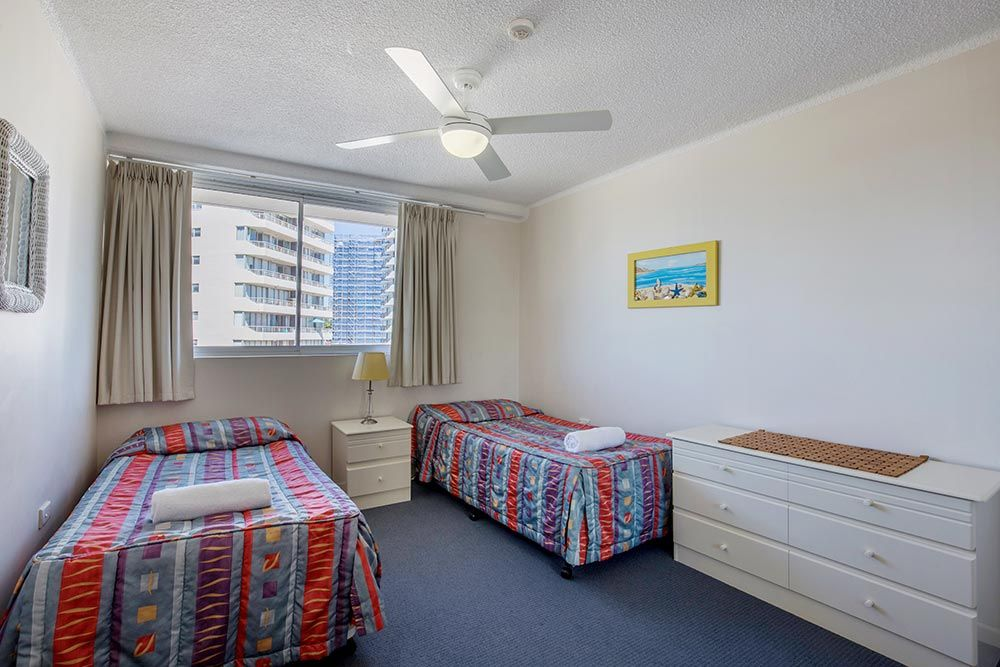coolangatta-rainbow-bay-2bed-apartments10-11