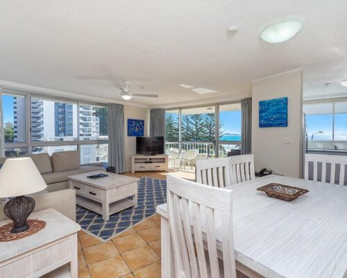 coolangatta-rainbow-bay-2bed-apartments10-3