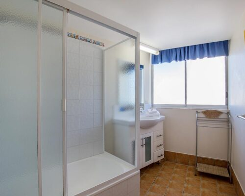 coolangatta-rainbow-bay-2bed-apartments10-9