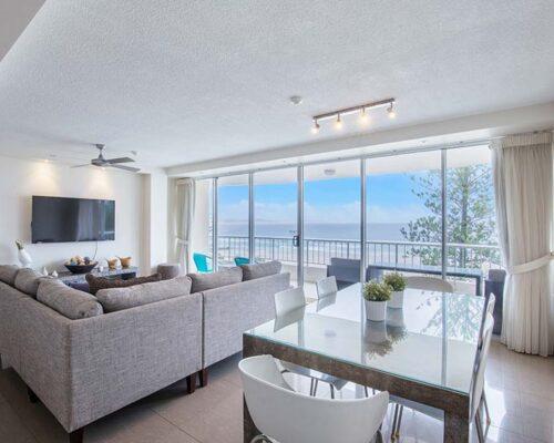 coolangatta-rainbow-bay-2bed-apartments17-6