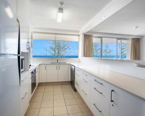 coolangatta-rainbow-bay-2bed-apartments20-6