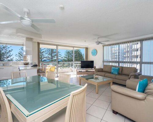 coolangatta-rainbow-bay-2bed-apartments21-2
