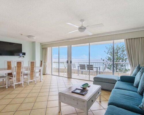 coolangatta-rainbow-bay-2bed-apartments23-5