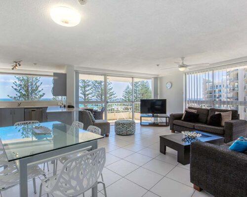 coolangatta-rainbow-bay-2bed-apartments24-2