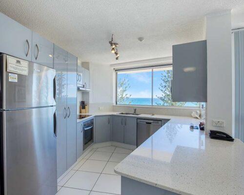 coolangatta-rainbow-bay-2bed-apartments24-3
