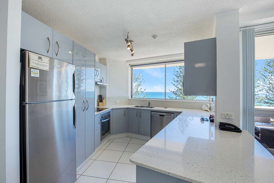 coolangatta-rainbow-bay-2bed-apartments24-3