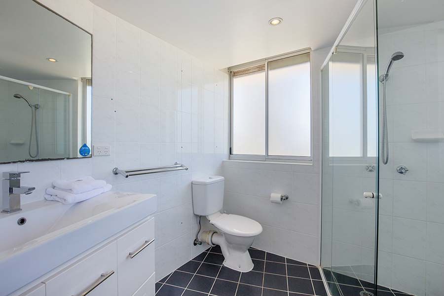 coolangatta-rainbow-bay-2bed-apartments24-5
