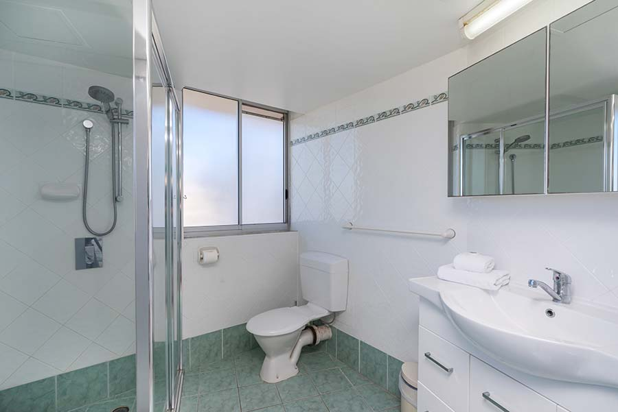 coolangatta-rainbow-bay-2bed-apartments25-6