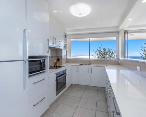 coolangatta-rainbow-bay-2bed-apartments26-5