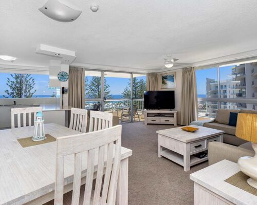 coolangatta-rainbow-bay-2bed-apartments27-1
