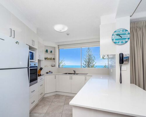 coolangatta-rainbow-bay-2bed-apartments27-5