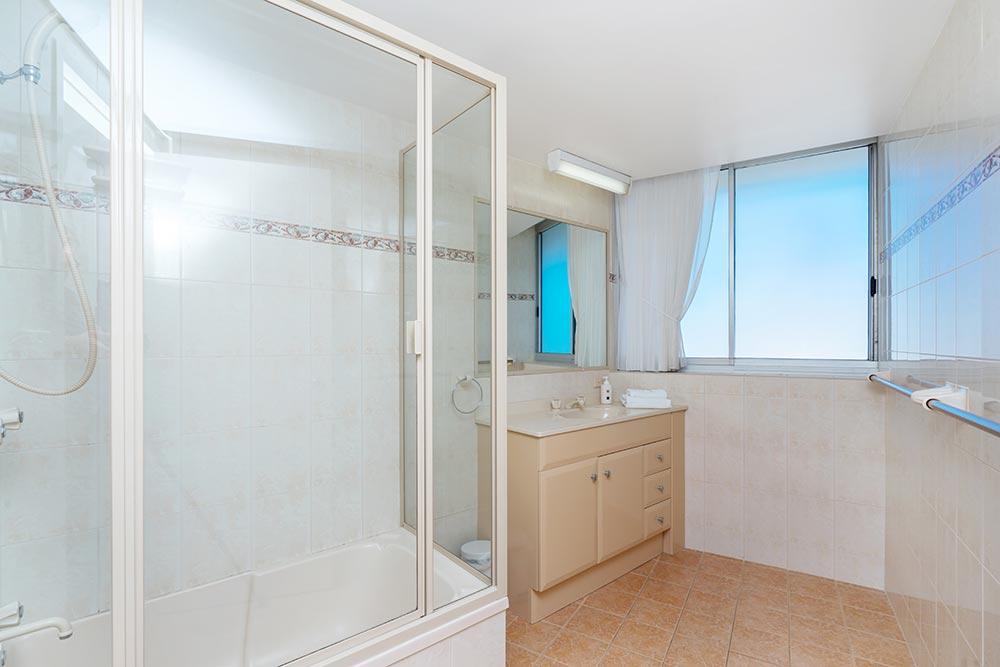 coolangatta-rainbow-bay-2bed-apartments28-8
