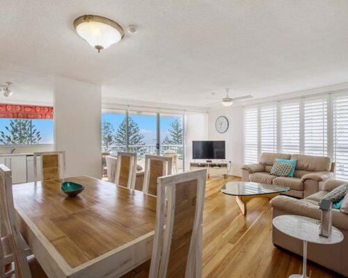 coolangatta-rainbow-bay-2bed-apartments30-1