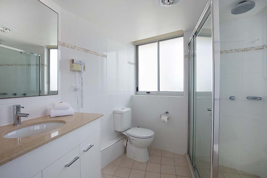 coolangatta-rainbow-bay-2bed-apartments33-3