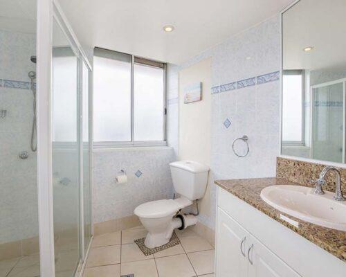 coolangatta-rainbow-bay-2bed-apartments37-4