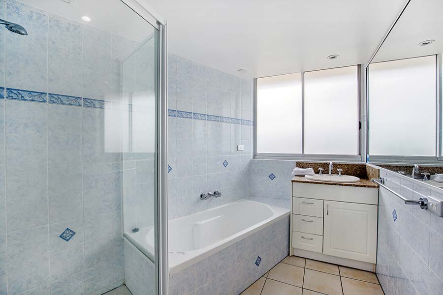 coolangatta-rainbow-bay-2bed-apartments37-6