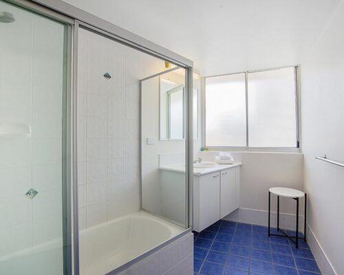 coolangatta-rainbow-bay-2bed-apartments4-11