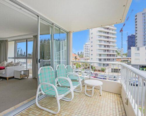 coolangatta-rainbow-bay-2bed-apartments4-3