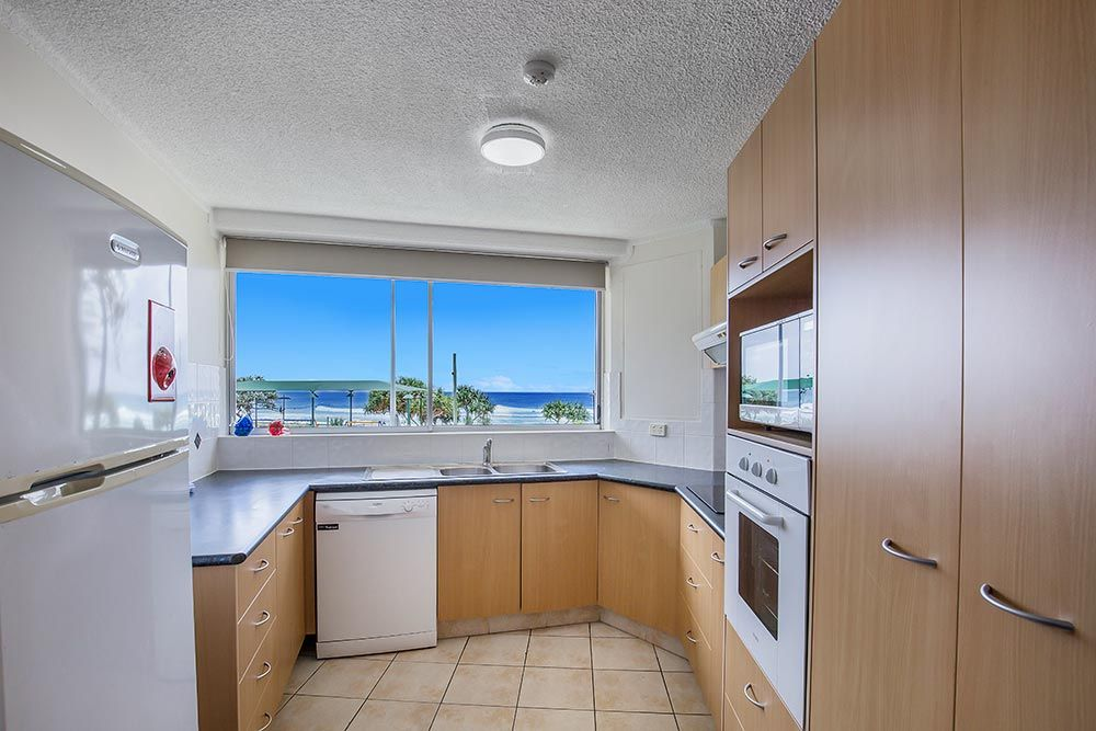 coolangatta-rainbow-bay-2bed-apartments4-5