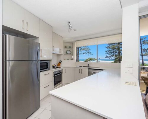 coolangatta-rainbow-bay-2bed-apartments6-3