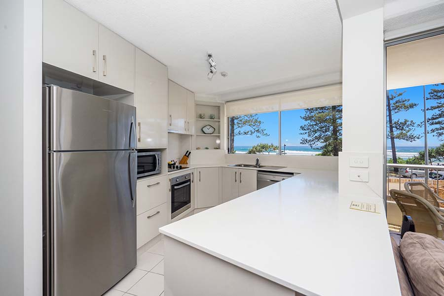 coolangatta-rainbow-bay-2bed-apartments6-3