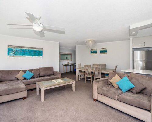coolangatta-rainbow-bay-2bed-apartments6-5