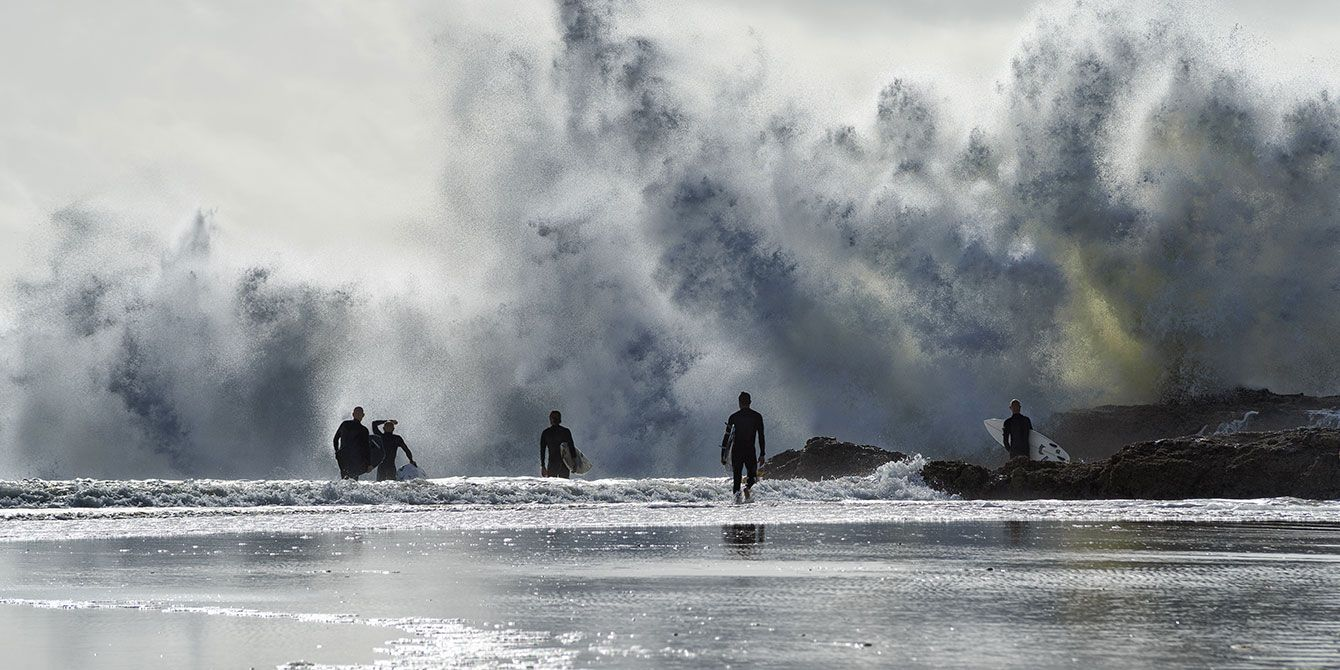 surfing at snapper rocks