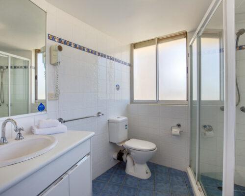 rainbow-bay-2-bedroom-deluxe-apartments-15-01