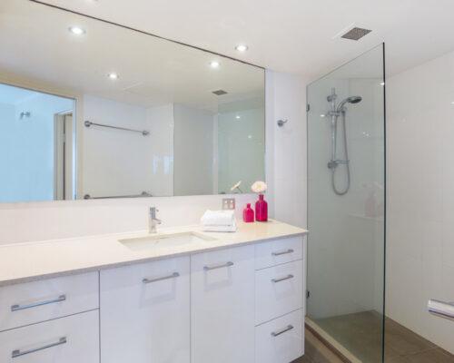 rainbow-bay-2-bedroom-deluxe-apartments-17-02