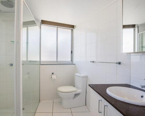 rainbow-bay-2-bedroom-deluxe-apartments-19-01