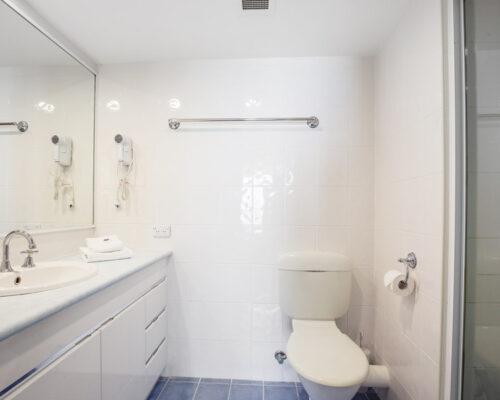 rainbow-bay-2-bedroom-deluxe-apartments-20-01