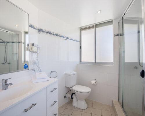 rainbow-bay-2-bedroom-deluxe-apartments-21-01