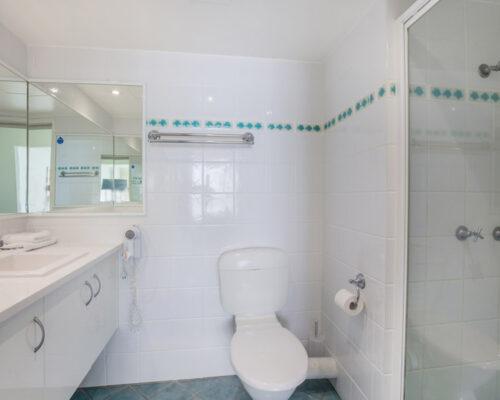 rainbow-bay-2-bedroom-deluxe-apartments-23-01