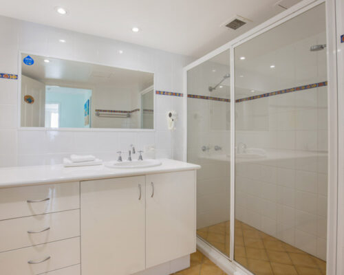rainbow-bay-2-bedroom-deluxe-apartments-23-03