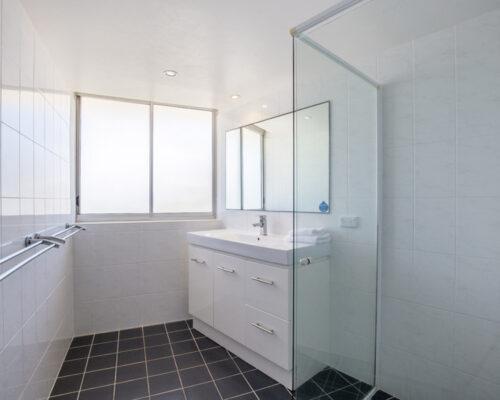 rainbow-bay-2-bedroom-deluxe-apartments-24-03