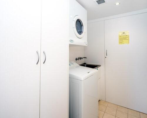 rainbow-bay-2-bedroom-deluxe-apartments-27-01