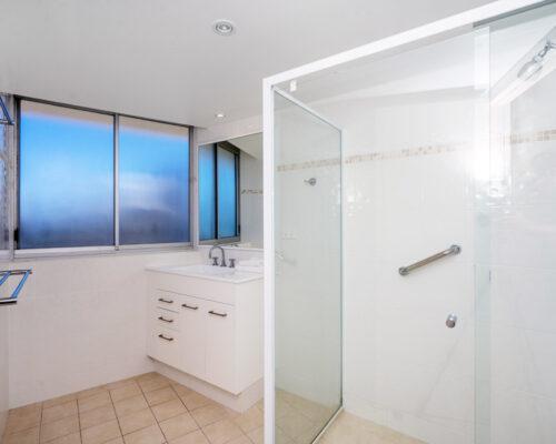 rainbow-bay-2-bedroom-deluxe-apartments-27-02