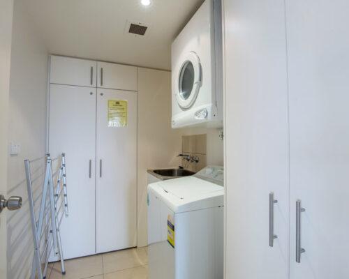 rainbow-bay-2-bedroom-deluxe-apartments-31-01