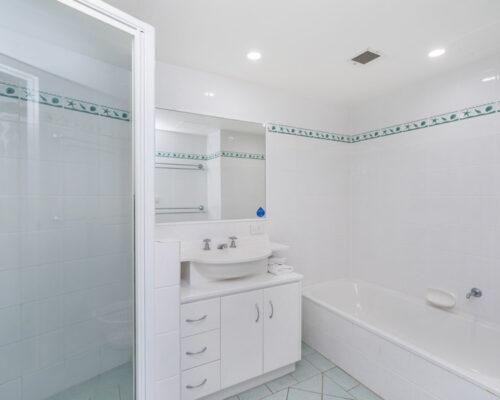 rainbow-bay-2-bedroom-deluxe-apartments-35-02