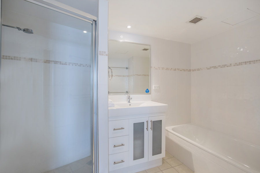 rainbow-bay-2-bedroom-deluxe-apartments-41-02